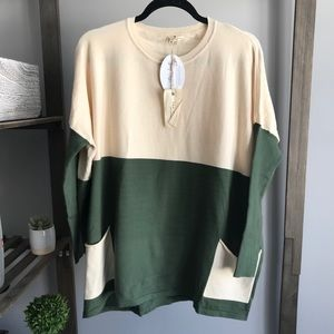 Tea n Rose New Fall Pocket CrewNeck Sweater